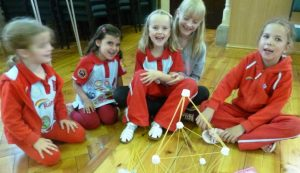 Spaghetti & marshmallow tower